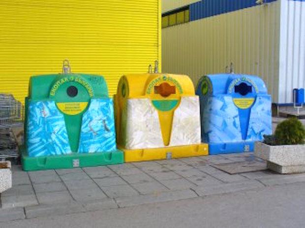 93% от събраните отпадъци в специализирани контейнери се краде