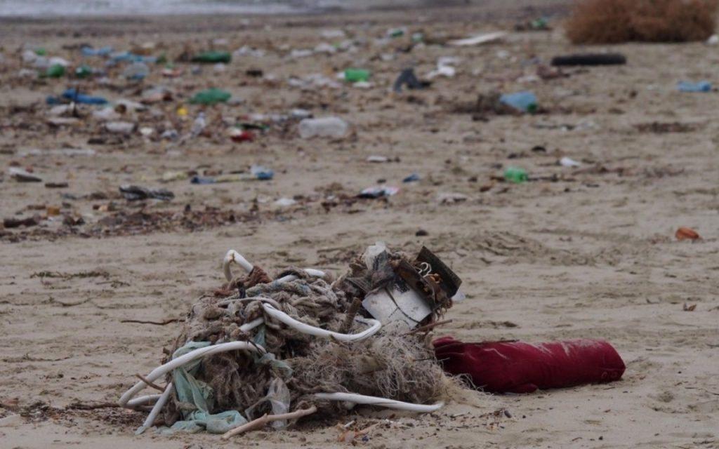 Статистиката сочи, че цели 2/3 от отпадъците отиват на депа, вместо да бъдат подготвяни за повторна употреба и рециклиране.