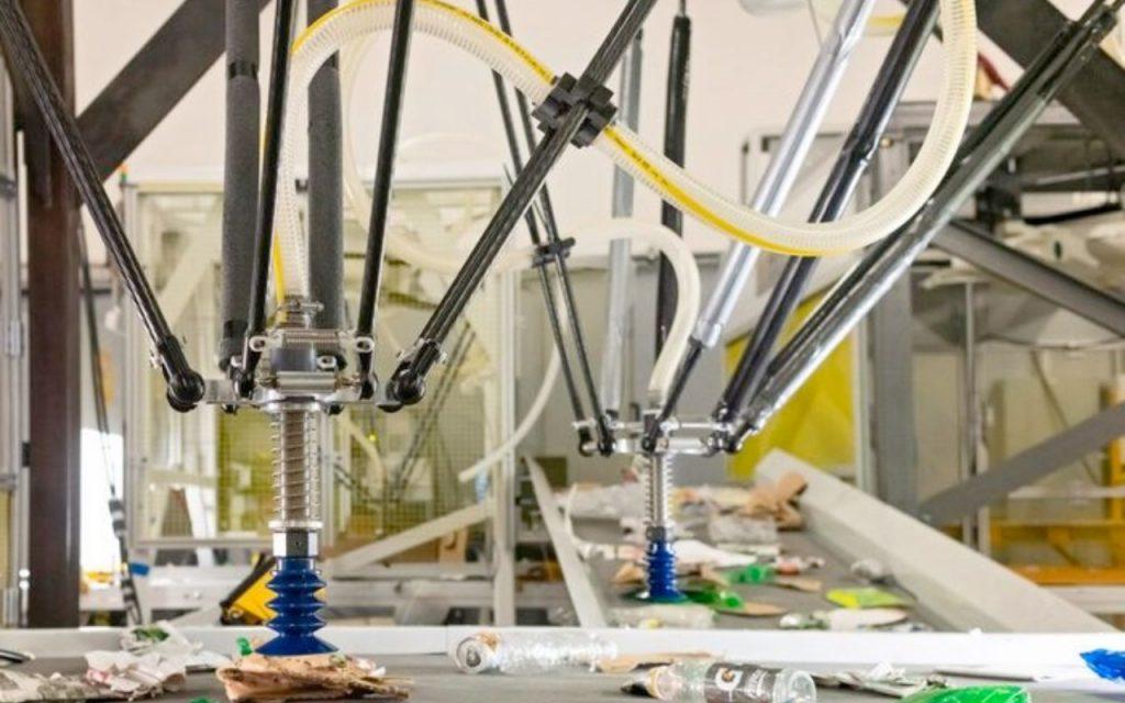 Досадното ръчно сортиране вече може да се извърши от робот (снимка: AMP Robotics)